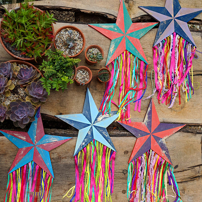 Hanging Carnival Star (x1)