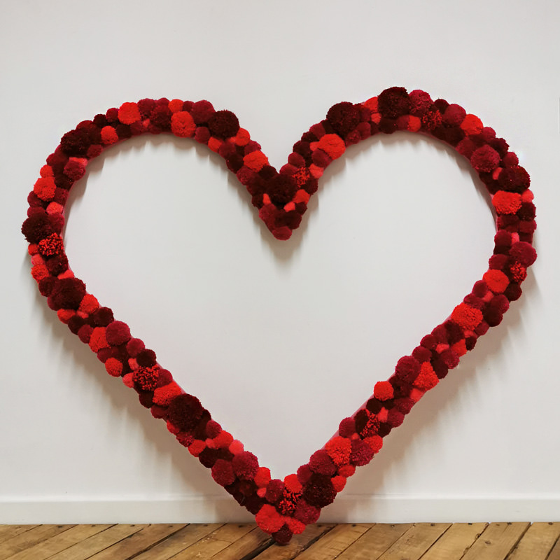Red Pom-pom Heart Frame