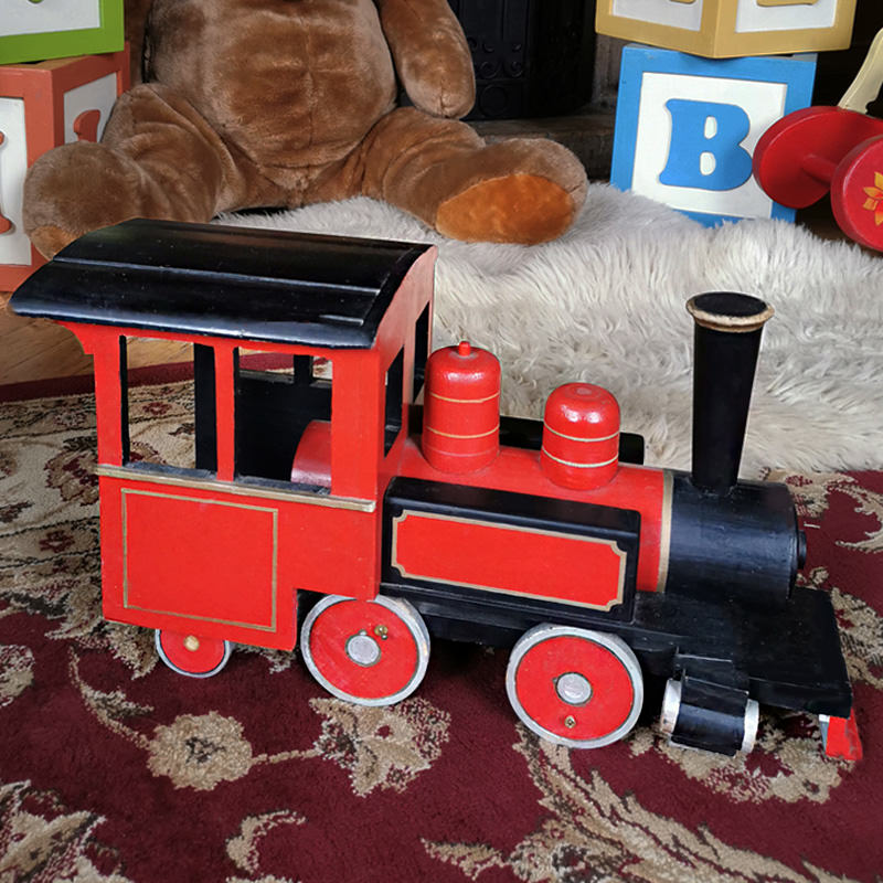 Grand Vintage Wooden Toy Train