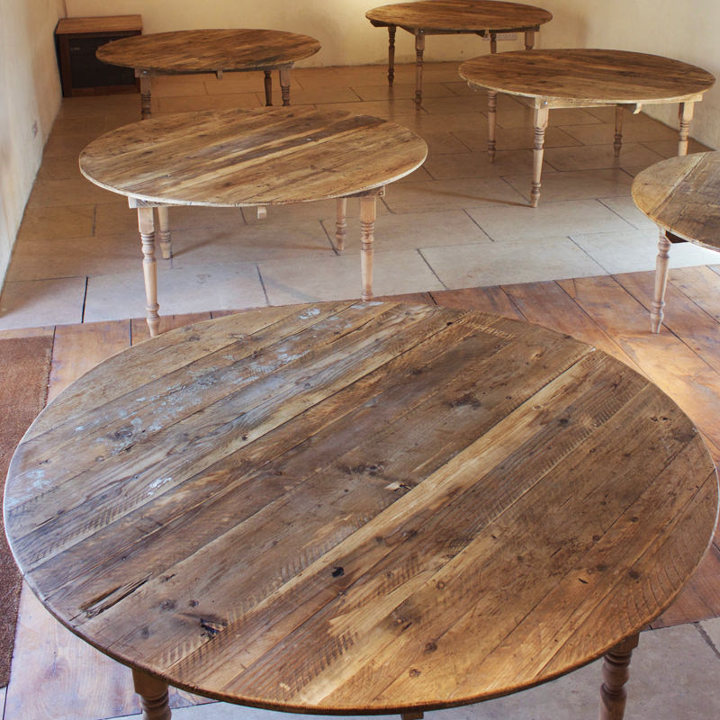 Round Farmhouse Table seats 8