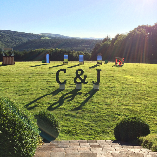 Topiary Ampersand  4